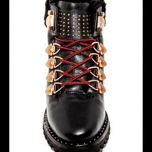 IVY KIRZHNER  hudson hiking boots.size 10B.UNISEX